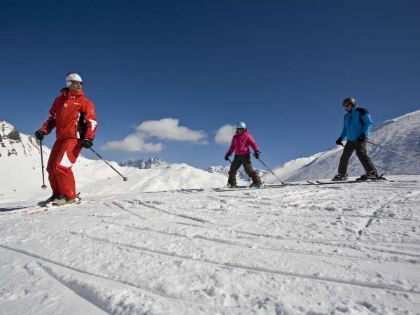 Adult group classes at ski school