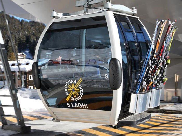 Gondola lift in 5 Laghi, Madonna di Campiglio