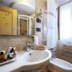 Hotel Diana Madonna di Campiglio Bathroom