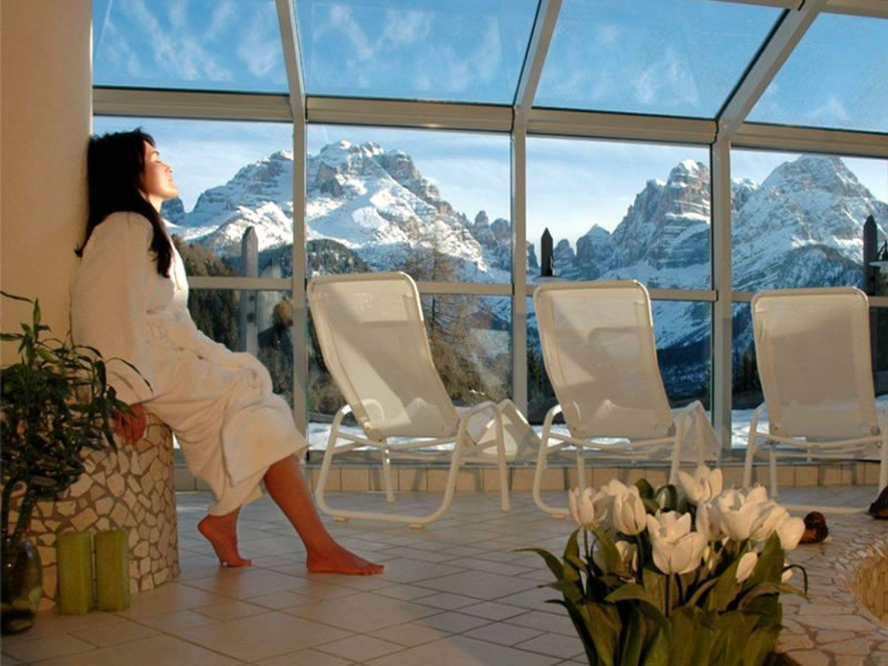 Bio Hotel Hermitage: Relax and enjoy panoramic views of the Dolomites